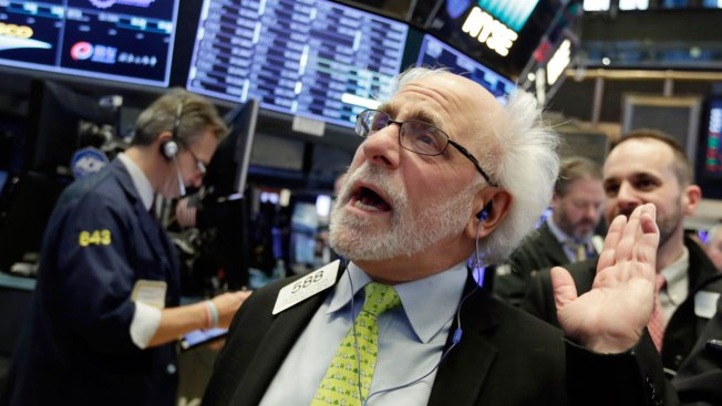 Dow Drops 665 Points, Capping Worst Week in 2 Years