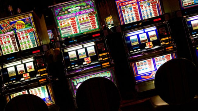 Casino Hostess Banned From Contact With Ex-Clients