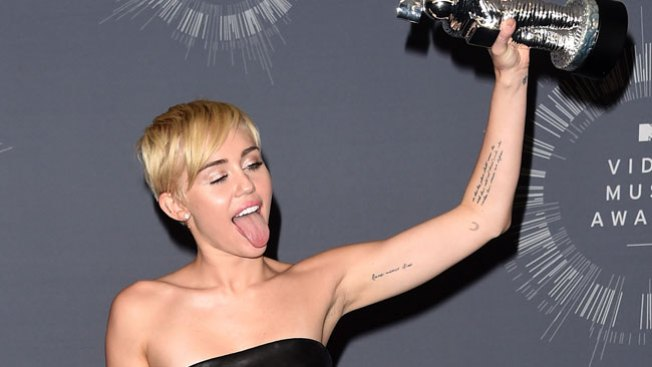 Wax Museum Adds New Figure of Miley Cyrus in D.C.