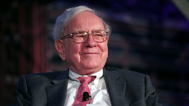 Warren Buffett Buys 700 Million Shares in Bank of America