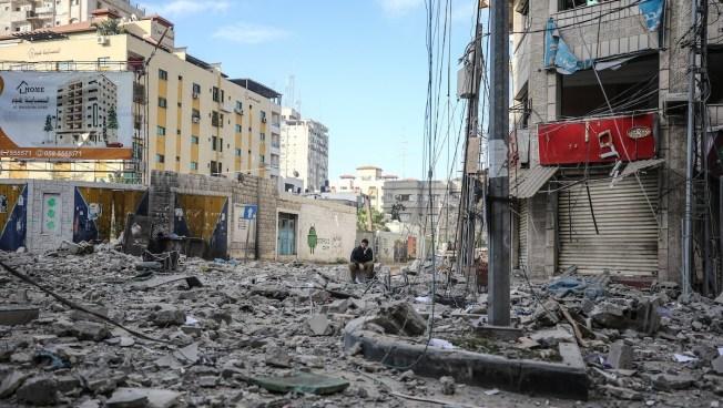 Israel Steps Up Strikes as Gaza Rocket Attacks Intensify