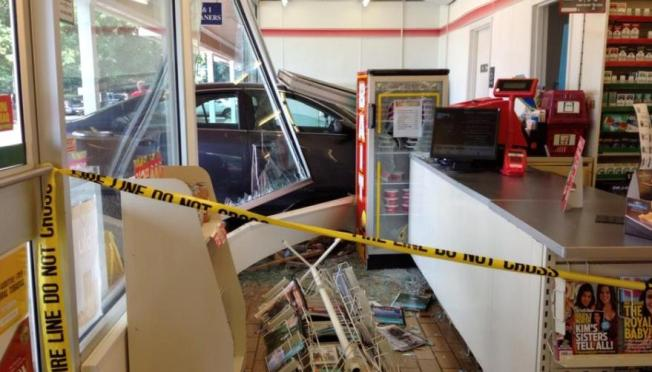 Driver Crashes Into Laytonsville, Md. 7-Eleven