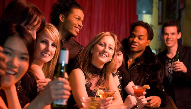 Pre-Valentine's Day Bash Lets Ladies Drink Free