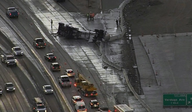 [la gallery] Milk Tanker Spill Sours Holiday Travel on Southern California Freeway