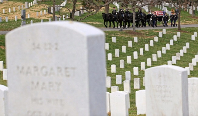 Arlington Adds Staff, Rules After Grave Mix-Up