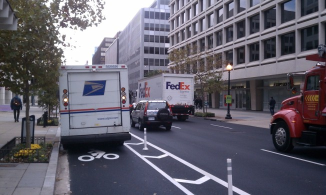 Blog Shaming Drivers Who Block Bike Lanes