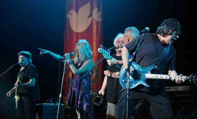 Jefferson Starship Guitarist Finds Long-Lost Bass Guitar