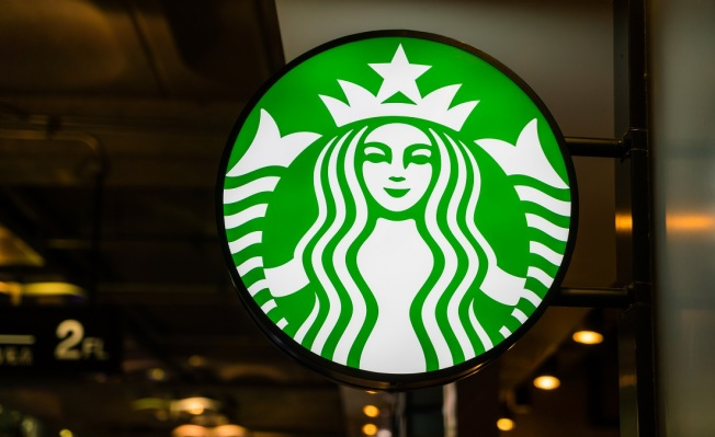 Starbucks is Giving Away Free Drinks Today For an Hour
