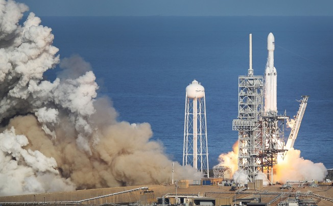 SpaceX's Most Powerful Rocket Ready for 1st Commercial Launch