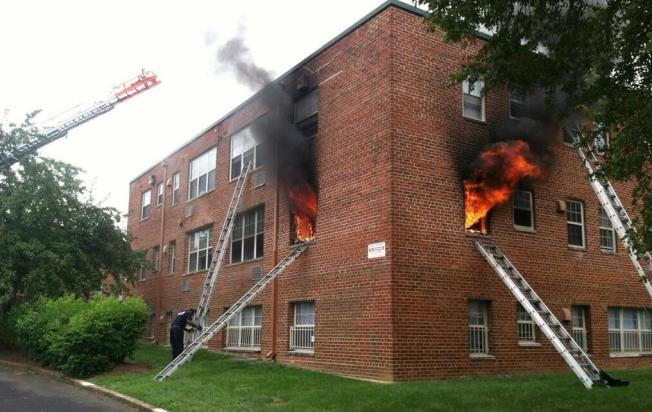 Firefighters Respond to Southeast D.C. Fire