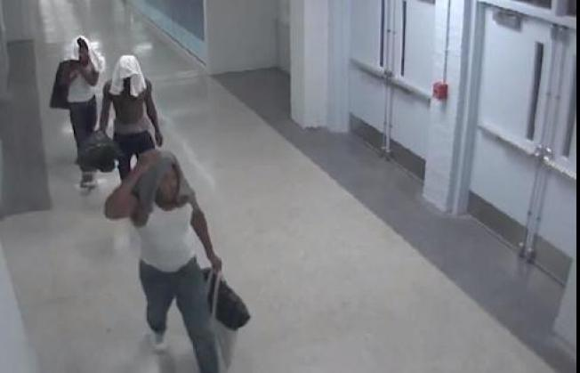 Group Wanted in Theft From D.C. High School
