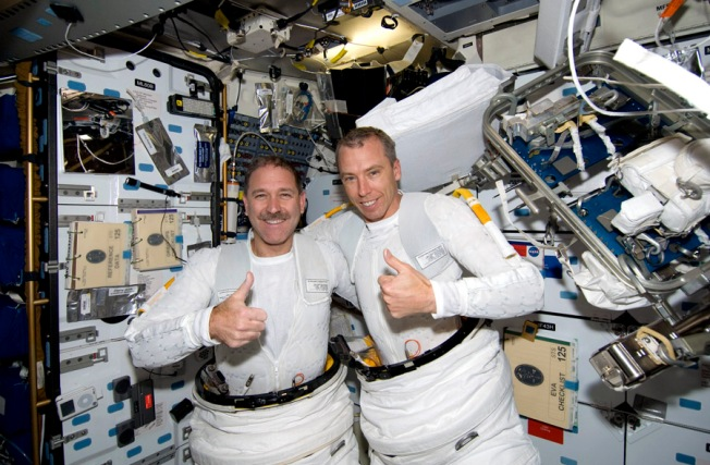 Astronauts Toast a Job Well Done --- With Recycled Urine
