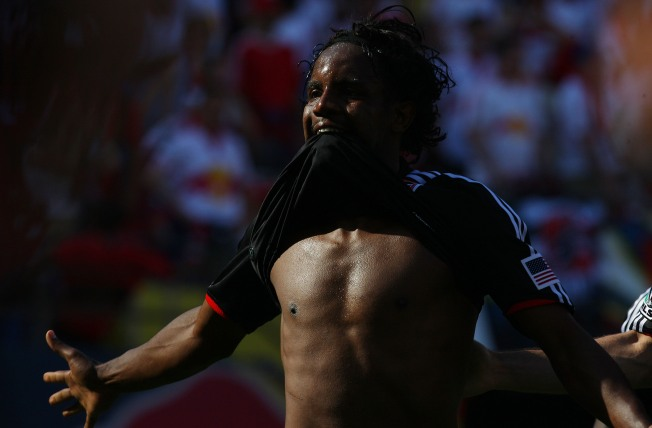 DC United Keeps Playoff Hopes Alive