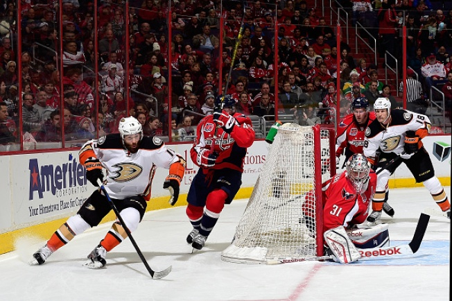 Philipp Grubauer Impresses in Impromptu Start for Capitals