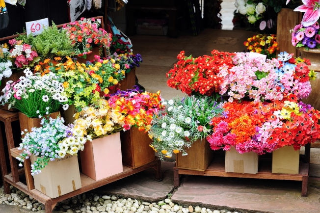 Flower Mart Returns to National Cathedral This Weekend