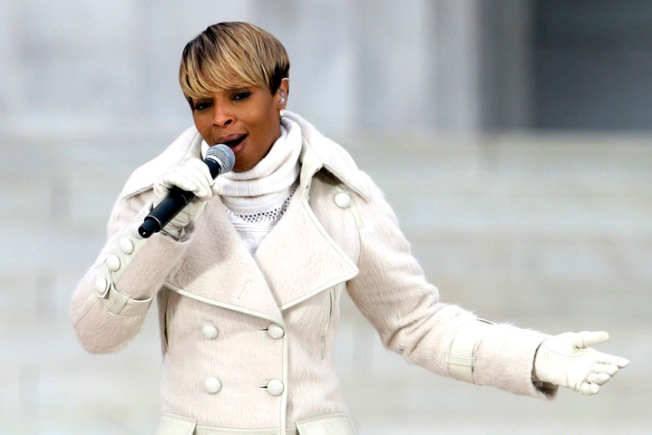 "Mary J. Blige To Guest-Judge ""Idol"""