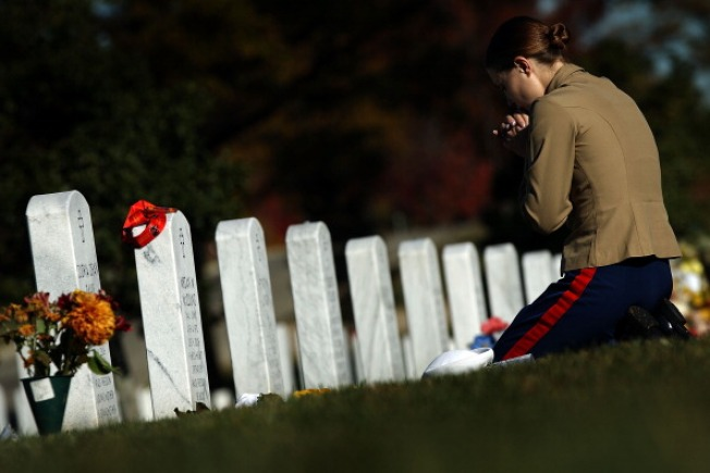 Holiday Wreaths to Be Placed at Arlington Cemetery
