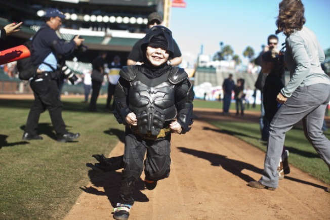 Philanthropists Give Check to Cover Batkid's Expenses: Report