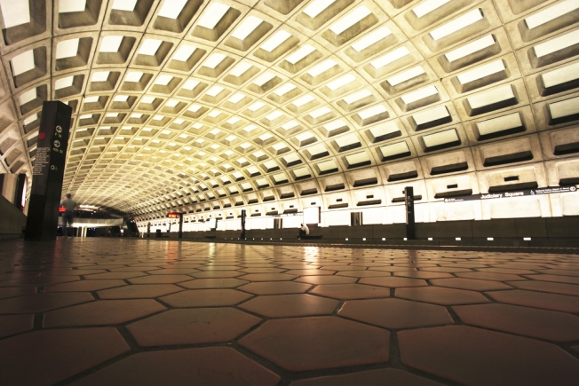 Metro Ridership Drops During Shutdown, But Some Trains Remain Crowded
