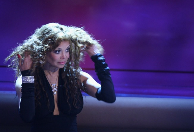 "Tidbits: La Toya Wants Simon's ""Idol"" Spot"