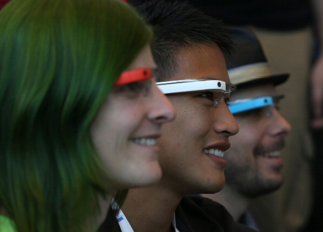 Calif. Woman Fights Ticket for Driving With Google Glass