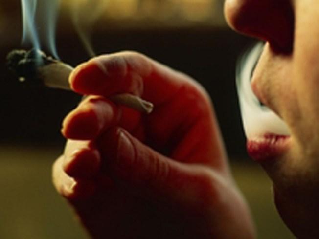 D.C. Likes To Smoke