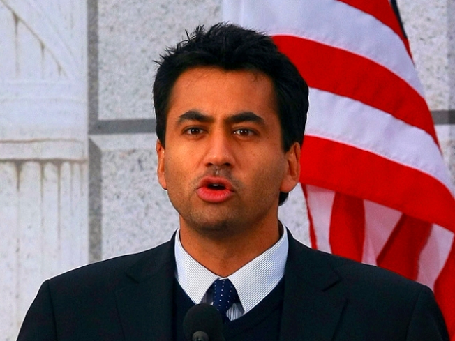 Kal Penn's Mugger Used Credit Card to Buy Gas