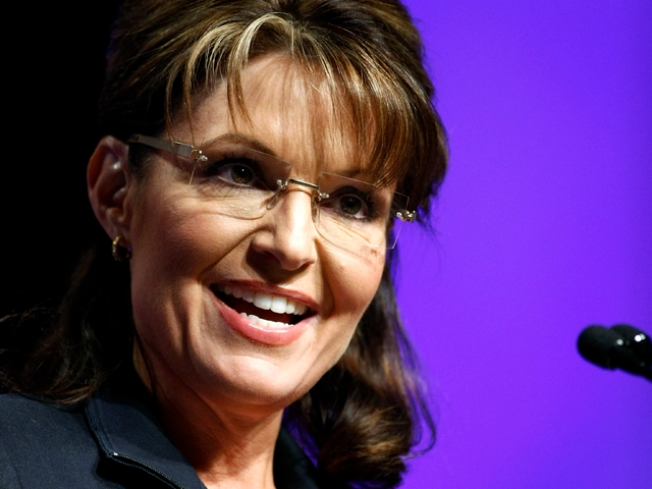 Sarah Palin Pals Around with Bears in TLC Clip