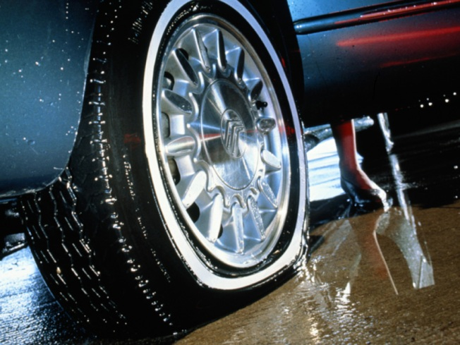 Judge Orders Judge to Apologize for Deflating Cleaning Lady's Tire