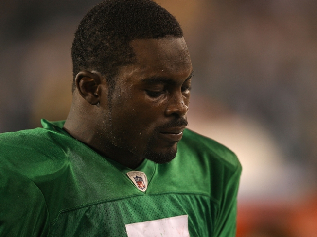Comeback QB: Michael Vick To Start for First Time in 4 Years