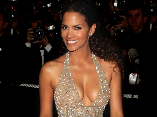 Halle Berry: I'm Not Pregnant