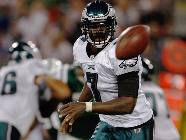 Michael Vick Plays for First Time in 33 Months