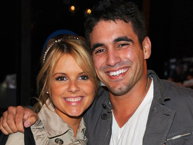 Ali Fedotowsky & Roberto Martinez Not Planning Wedding