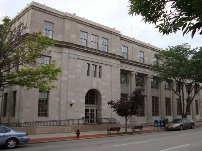 Illinois Man Tried to Bomb Springfield Courthouse