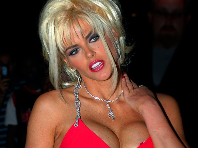 "A Crying Shame: Judge Pens Book on Anna Nicole's ""Murder"""