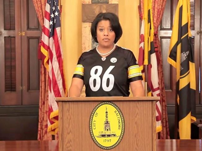 Baltimore Mayor Loses Bet, Wears Enemy Colors