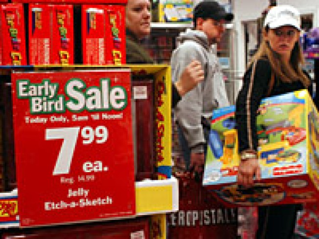 US Shoppers Queue Up for Black Friday Deals