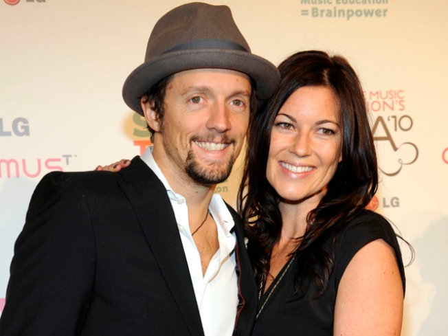 Jason Mraz: I Won't Wed Fiancee Until Gay Marriage is Legal