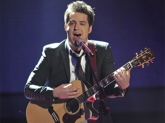 """American Idol"" Lowers Age Limit to 15"