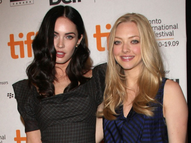 Amanda Seyfried Kisses and tells On Megan Fox