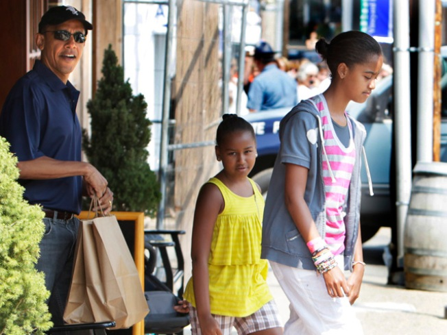 Obamas Dish on Daughters' Doings