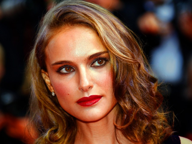 Natalie Portman: I Wouldn't Mind Being in a Love Triangle