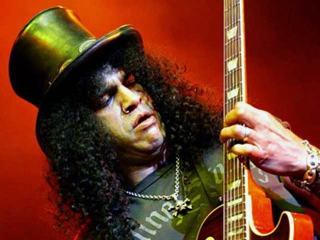 Guitarist Slash Body Slammed on Stage