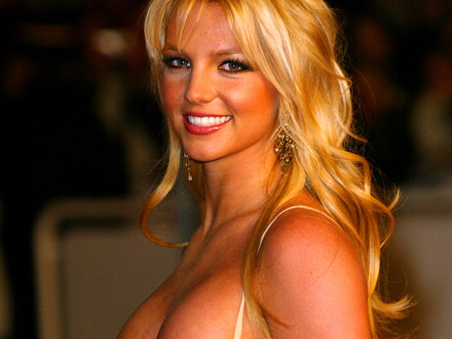 ROLL CALL: Britney Says So Long To Junk Food