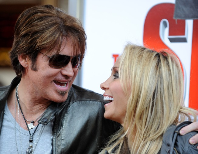"Billy Ray Cyrus: ""I've Dropped the Divorce"""