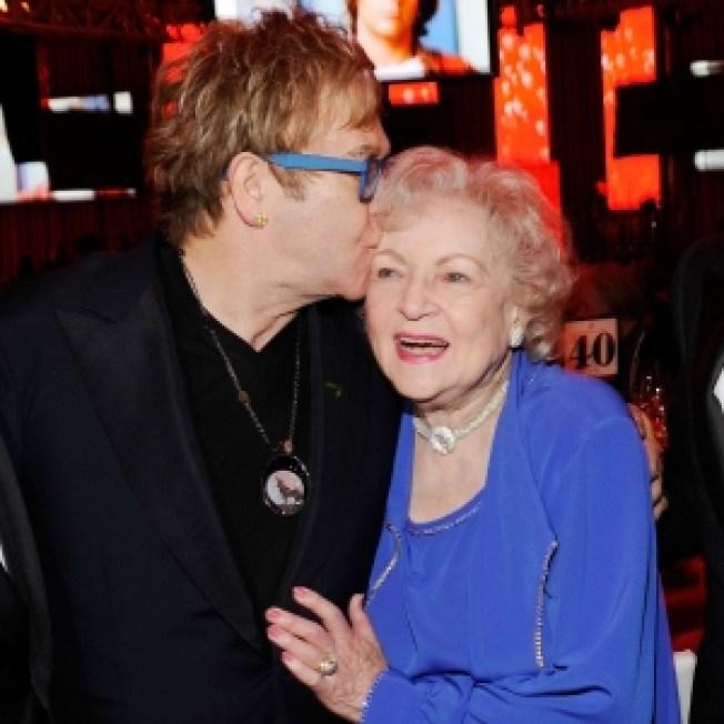 Elton John Bonds With Betty White