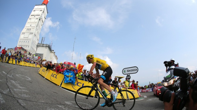 Froome Wins Stage 15 of Tour, Extends Lead
