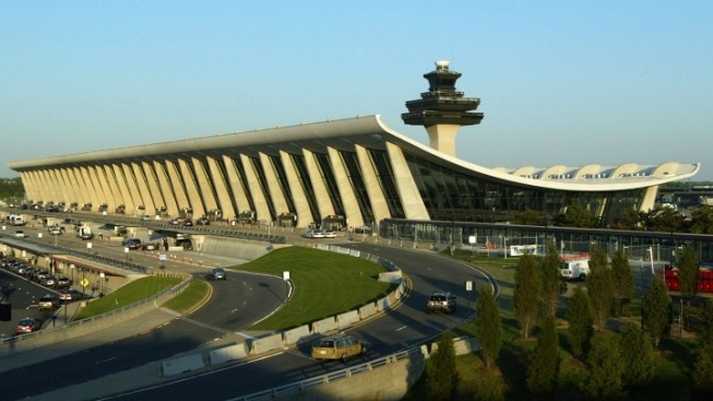 US Airways Flight Makes Emergency Landing at Dulles