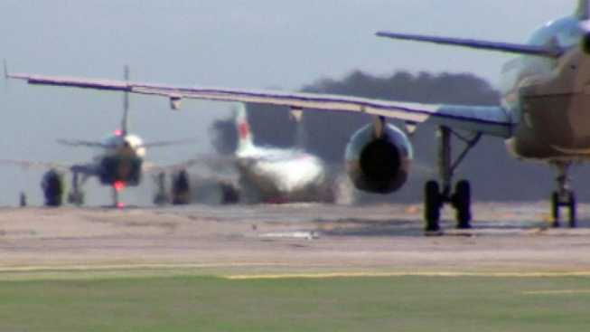 Flight Carrying US Sen. Leahy Diverted Due to Mechanical Problems