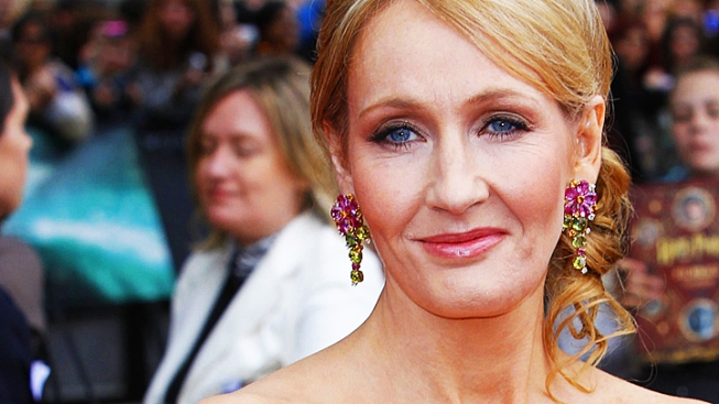 JK Rowling Accepts Donation for Identity Revelation